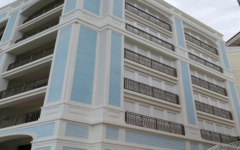 exterior louvered  shutter